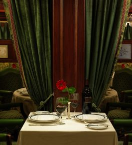 Pacific Dining Car - SM Table for Two