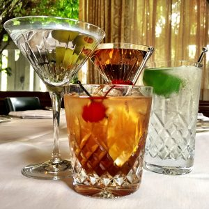 Pacific Dining Car | 4 classic cocktails for $40
